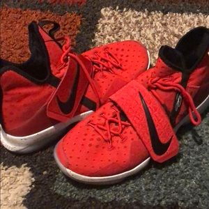 Red and black Lebron 14 men's size 13